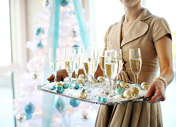 Holiday Aqua & Gold Decor Ideas…