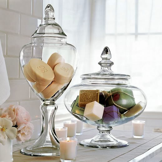 Tuesday s tips apothecary jars as chic storage 4 kitch bath laundry r - Comment decorer un vase ...