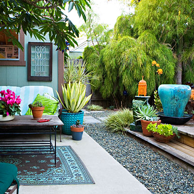 Chic backyard outdoor living area 0211 l for Best low maintenance potted plants