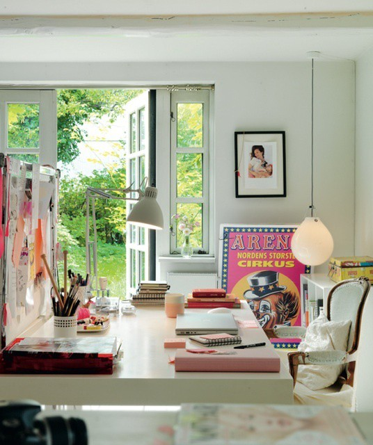 Inspiring home office work spaces w inspiration boards for Home office inspiration pictures