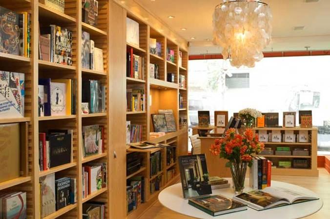 Bookstore Interiors Decorating W Books Design Indulgences