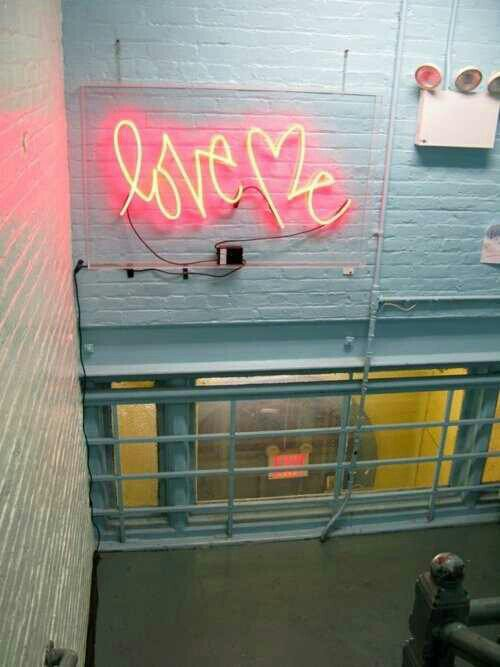 Vintage Neon Signs For The Home