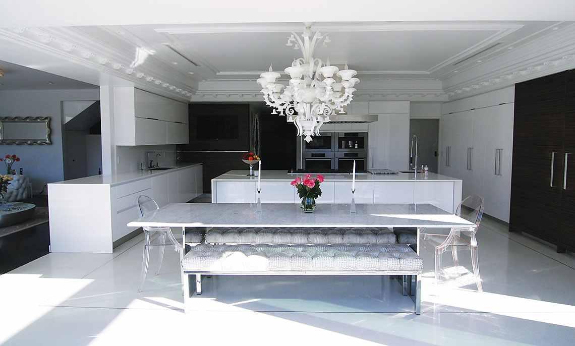 Beverly hills interior designer roxy sowlaty design for Interior designs by beverly